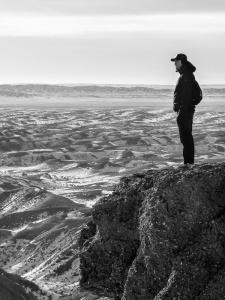 Me-overlooking-Gobi-Desert-somewhere-near-Tsagaannuur-Mongolia